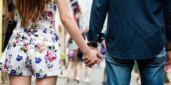 Cosas que Hacen los Hombres Cuando les Gusta una Mujer